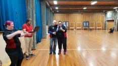 Tom vinner og Jeanette 2. plass i barebow-1.