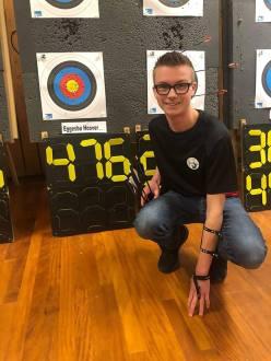 Elliot med mulig ny norsk rekord i barebow gutter kadett.